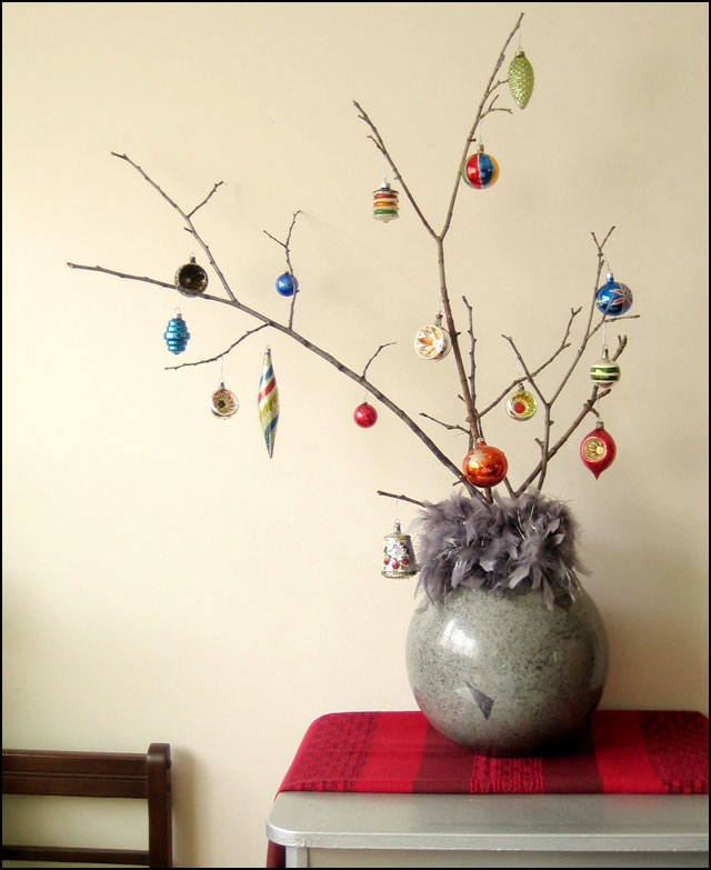 Make A Branch Christmas Tree