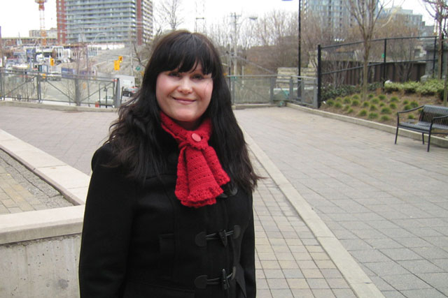 crocheted-red-scarf