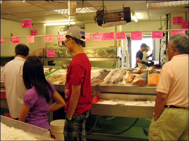 chinatown seafood stall
