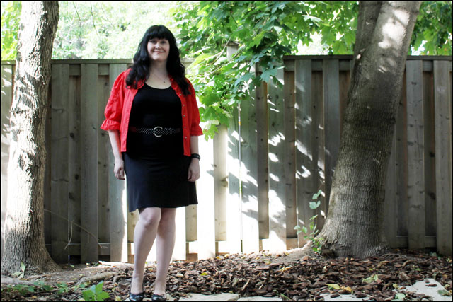 red blouse outfit 03