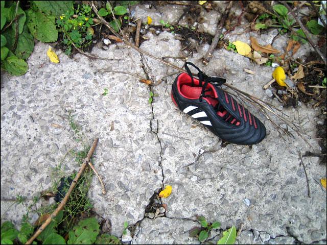 abandoned shoe 2