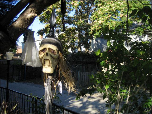 halloween head on spear