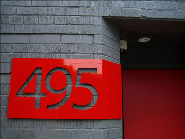 red 495