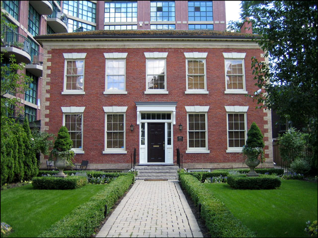 Farr-House-Toronto-Summer-2