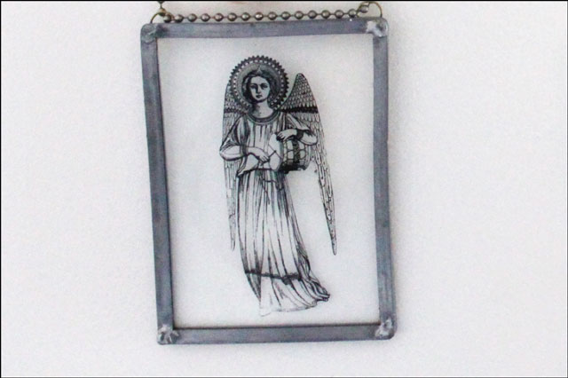 angel-painted-on-glass