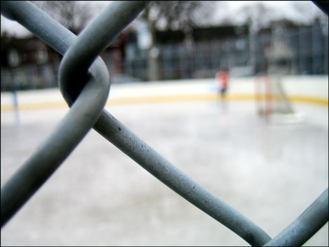 chain-link-fence-blurry-pla
