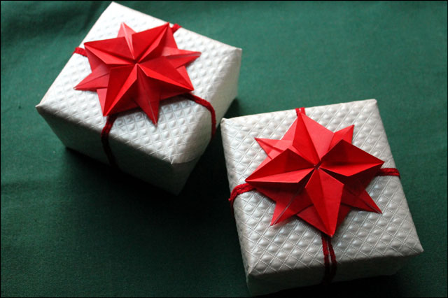 origami stars on gifts