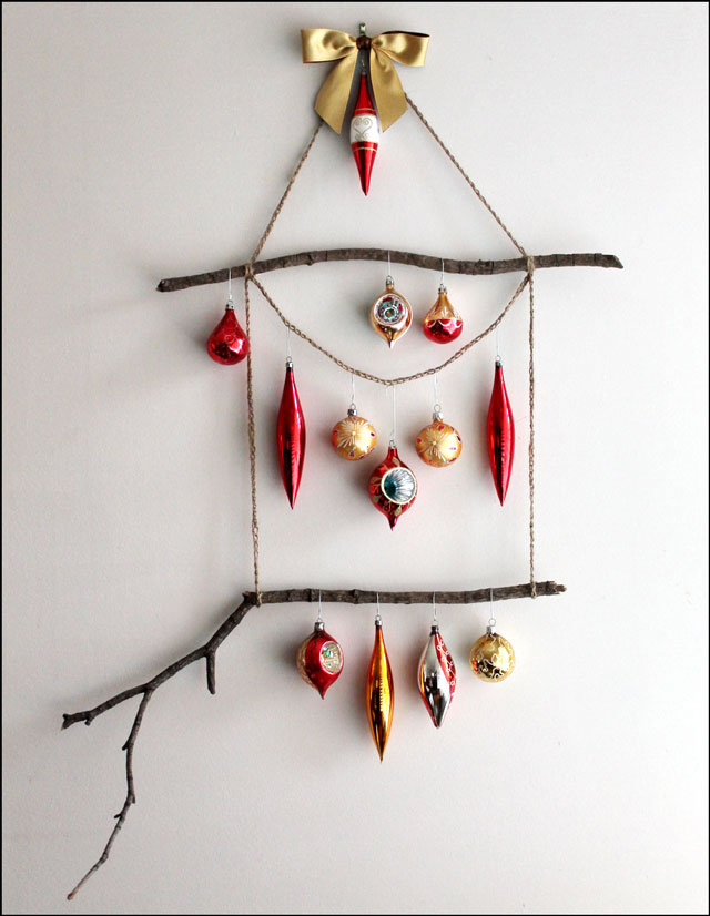 How to Make an Ornament Display Hanger | Loulou Downtown