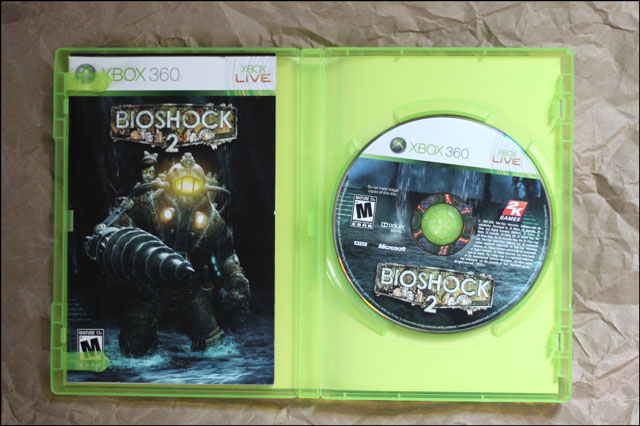 bioshock-2-disc-and-booklet