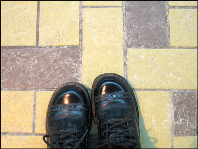 boots-on-the-platform