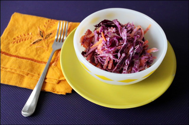 bowl-of-cole-slaw