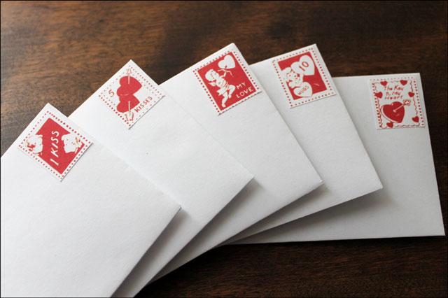envelopes-with-vintage-vale