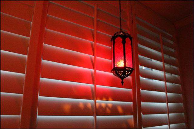 hanging-candle-lantern