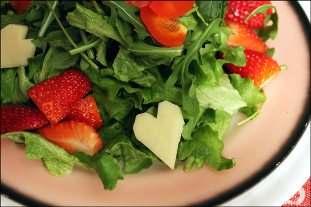 strawberry-red-pepper-green lettuce arugula and cheese heart salad