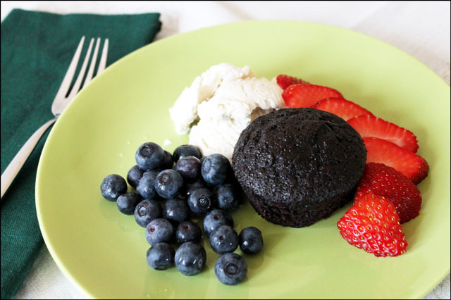 dessert-chocolate-cake-and-berries