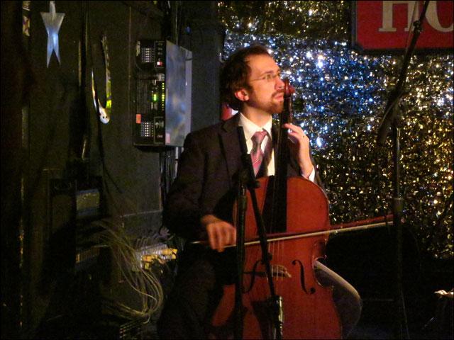 close-up-cello-player
