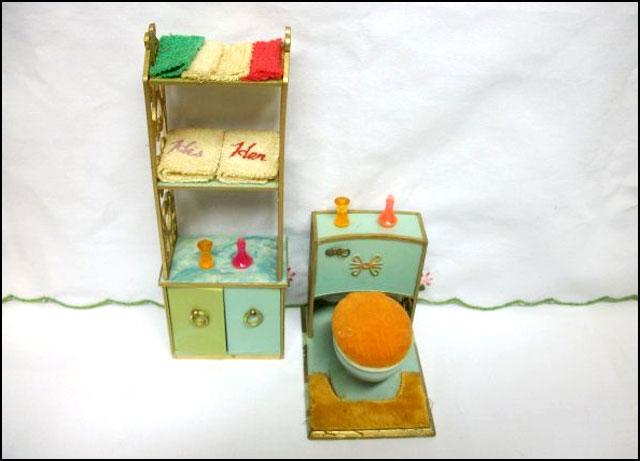 colourful-dollhouse-bathroom