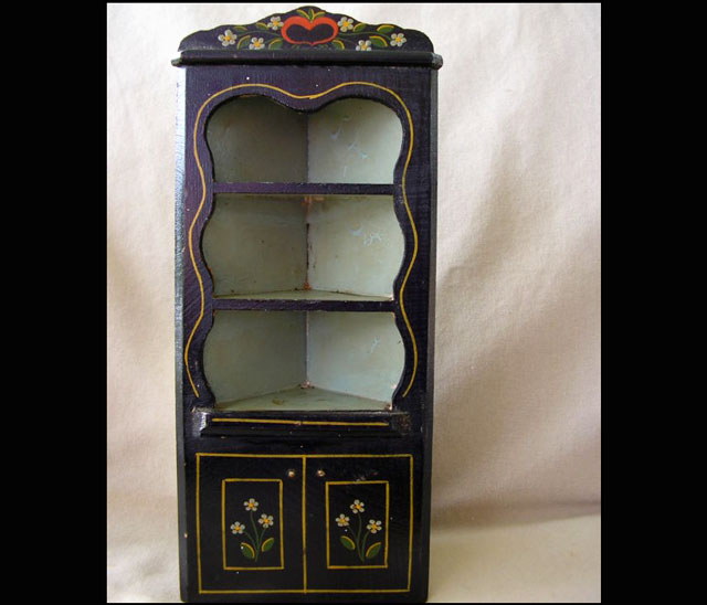 corner-cabinet-dollhouse