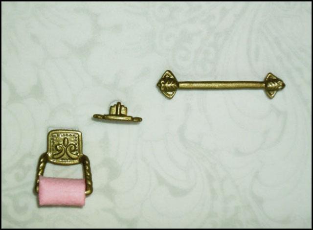 dollhouse-bathroom-accessor