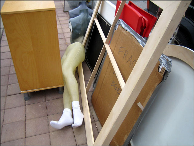 mannequin-legs-on-the-stree