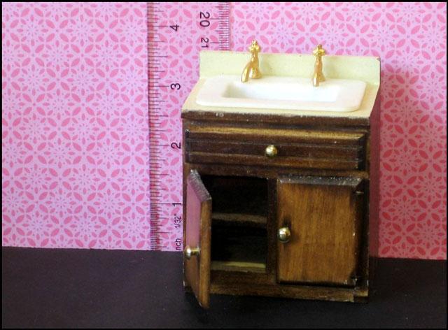 sink-with-cupboard-under-do