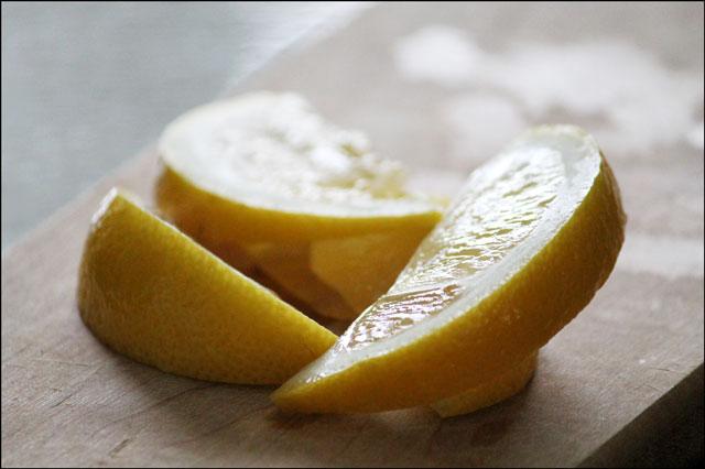 sliced-lemon