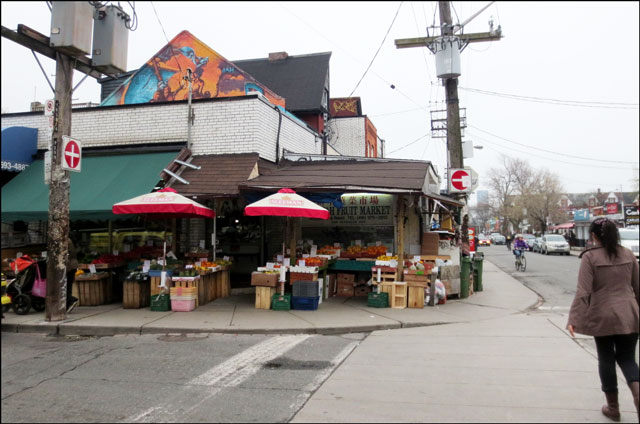 Pie with Laura in Kensington Market | Loulou Downtown