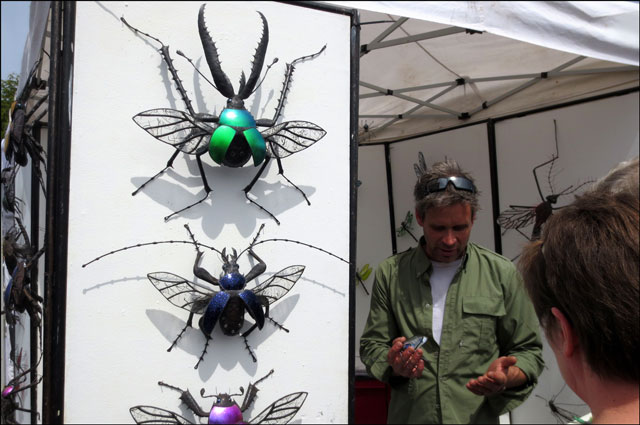 insect-sculpures-salt-spring island market
