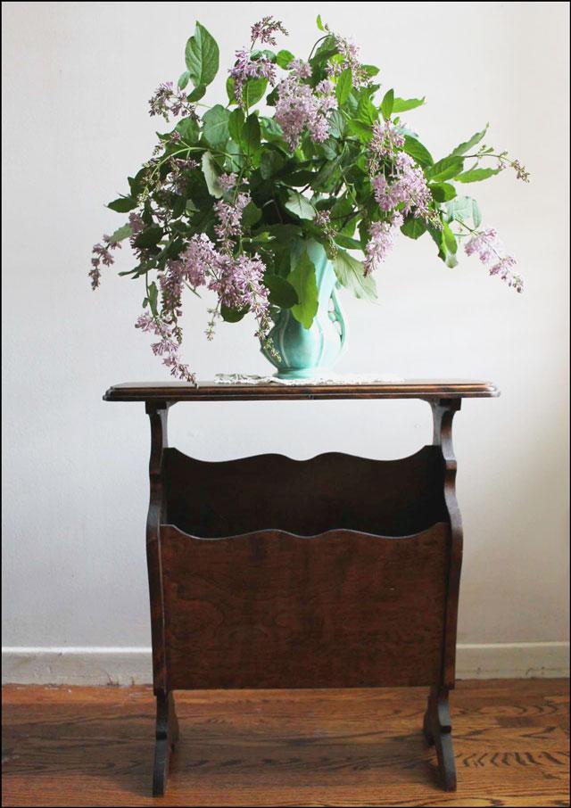 lilacs-in-mccoy-vase