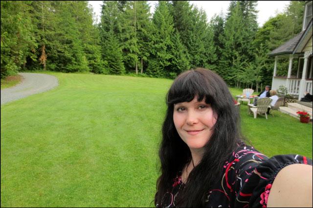 selfie-on-the-lawn