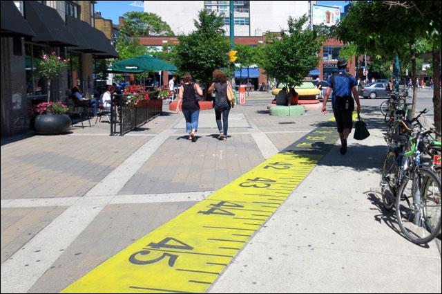 street-scene-spadina-and-richmond