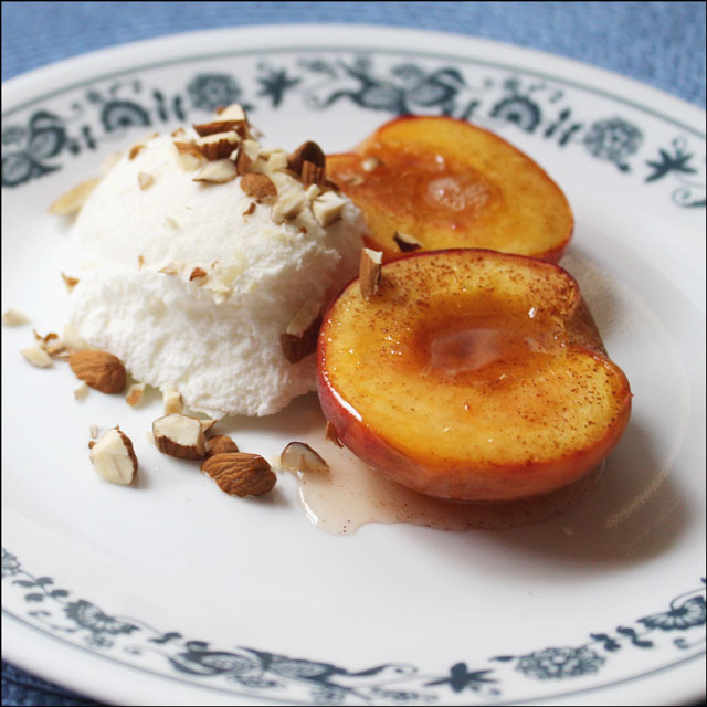 baked-peaches-with-almonds