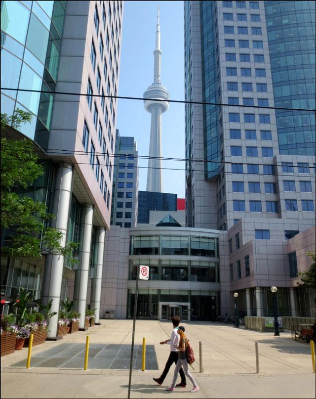 cn-tower-between-buildings