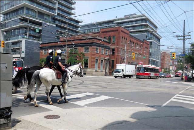 cops-on-horseback-toronto