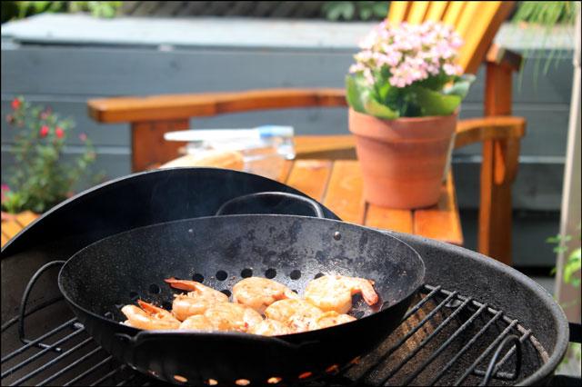 grilling-shrimp