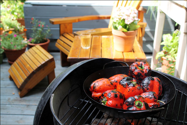 roasting-red-peppers