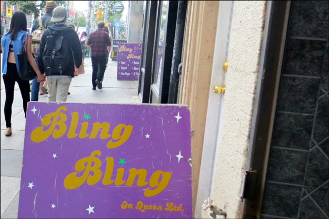 bling-bling-queen-street-we