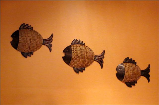 fish-on-restaurant-wall