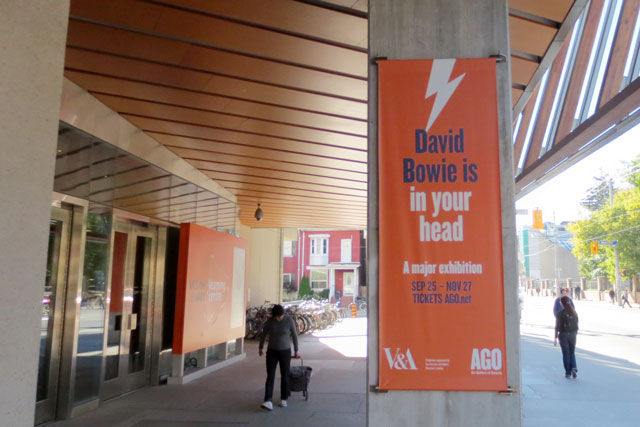 sign-for-david-bowie-show-ago