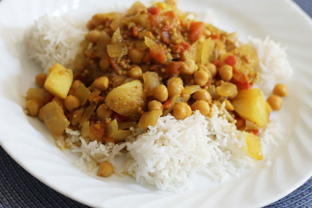 chick-pea-and-potato-curry-with-apple