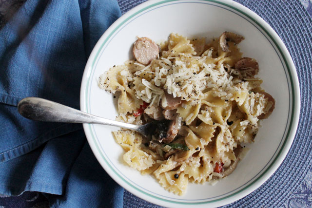 leftover-bratwurst-in-pasta