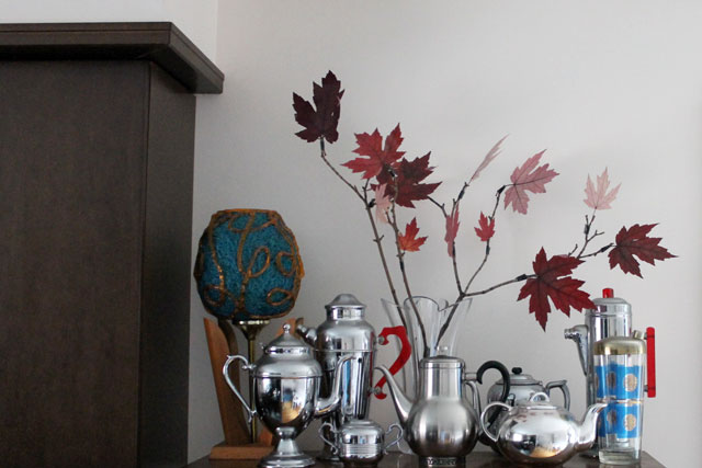 decoration-pressed-leaves-and-branches