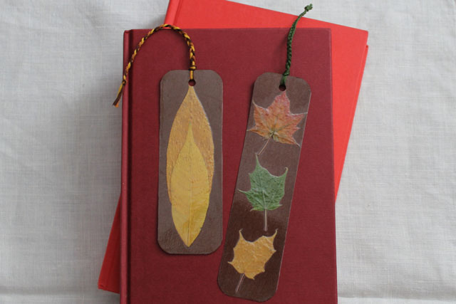diy bookmarks with pressed leaves