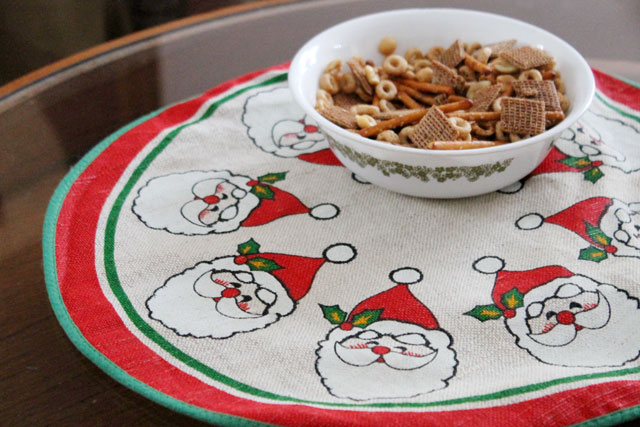 christmas-snack-mix