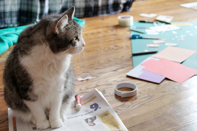 ed-helping-make-gift-tags
