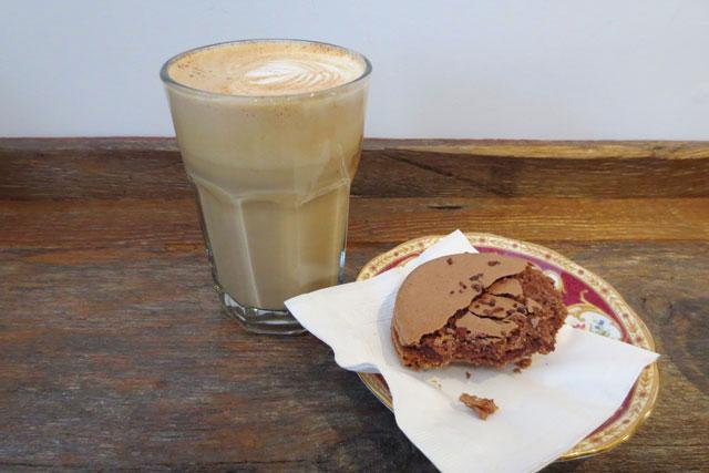 latte-and-macaron-at-fika-cafe