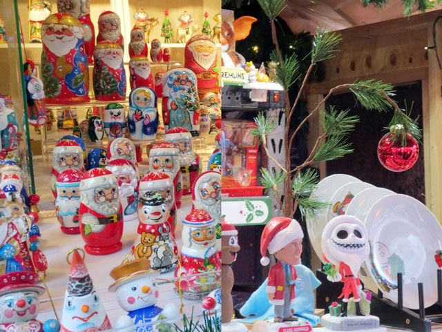 ornaments-at-lowes-christmas-market
