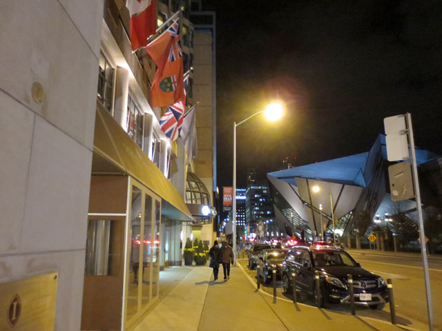 outside-hotel-intercontinental-toronto