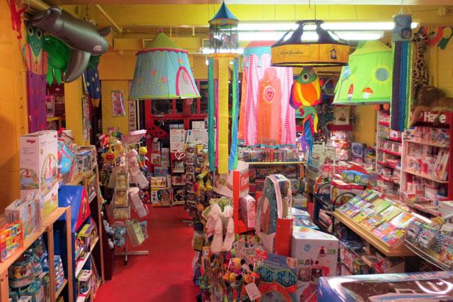 toy terminal toronto 03