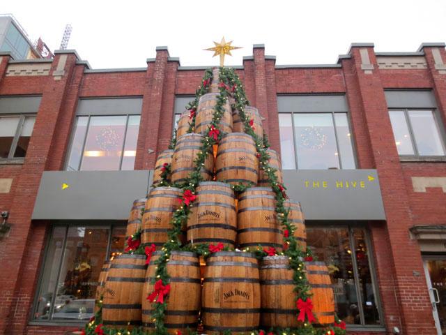 barrel-christmas-tree jack daniels king street